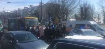 У Луцьку поблизу школи маршрутка збила дитину, яка переходила дорогу