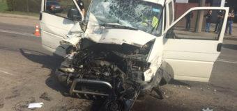 Подробиці аварії на Набережній у Луцьку: травмувалося двоє людей. Фото