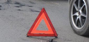 У Локачах неповнолітній на BMW вилетів на тротуар, протаранив будівлю та покалічив чоловіка