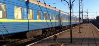 Ковельські залізничники ремонтують купейні вагони