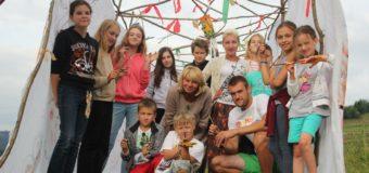 Запрошуємо дітей на літні табори*