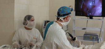 У ковельській лікарні хворому видалили аденоїди за швейцарською технологією