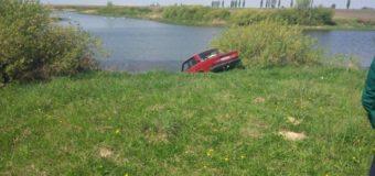 У селі на Волині автомобіль скотився з гірки й на смерть травмував чоловіка