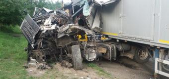 У Ківерцях зіткнулися дві вантажівки, водіїв госпіталізували. ФОТО