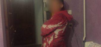 У Ковелі повідомили патрульних, що горе-матір систематично знущається над своєю 9-річною донькою