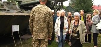 Ветерани війни відвідали музей військової техніки у Луцьку. ВІДЕО