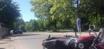 """У Луцьку мотоцикліст врізався в """"Фольксваген"""""""