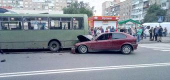 У Луцьку автомобіль влетів у маршрутку