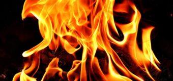 Повідомили про стан чоловіка, який підпалив себе у центрі Луцька