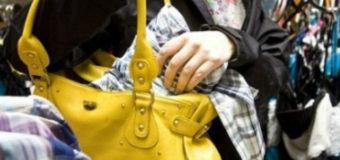 У Ковелі жінка викрала з магазину дві пари дитячих штанів
