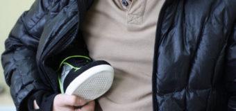 Ківерчанин із кіоску на луцькому ринку викрав кросівки