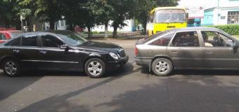 У Луцьку зіткнулись дві автівки