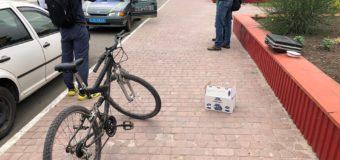 У центрі Нововолинська затримали чоловіка з ящиком маку