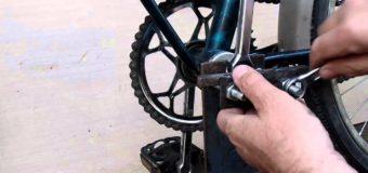 На Волині скутерист пограбував чоловіка, який на узбіччі ремонтував свій велосипед