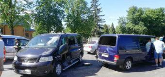 У Луцьку зіткнулися два мікроавтобуси