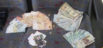 У Польщі водій автобуса повернув українському заробітчанину втрачений пакет з готівкою і документами