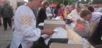 На центральному пляжі села Світязь – фестиваль пончиків. ФОТО