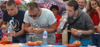 У селі Світязь на швидкість їли пончики