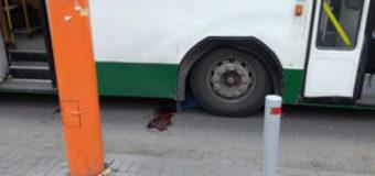 Повідомили про стан жінки, якій переїхав руку тролейбус у Луцьку