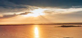 Волинський фотографпоказав світлини вечірнього Світязя. ФОТО
