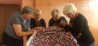 На Волині вишили велетенську вишиванку для пам'ятника Тарасові Шевченку