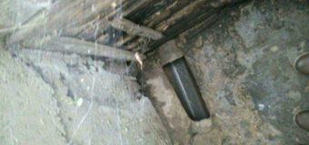 У Луцьку муніципали виявили трубу, якою нечистоти стікають в річку Сапалаївку