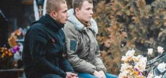 Розповіли про 22-річного бійця, який погрожував скоїти самопідпал біля Луцькради