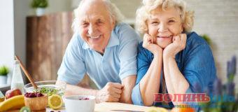 На скільки зростуть пенсії у грудні