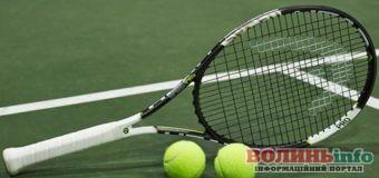 Как часто нужно заменять струны на теннисной ракетке?