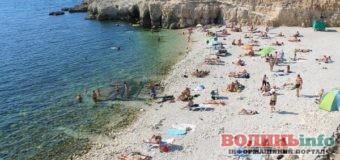 Як в окупації: значна частина кримських пляжів, не готові до пляжного сезону