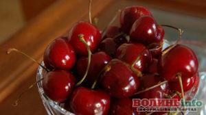 Вишні, черешні, шовковиця: чим корисні, скільки та як слід їсти