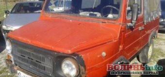 Луцький позашляховик 1988 року продають за 2 150 євро
