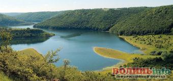 Досі шукаєте, де відпочити? 11 дивовижних національних парків України
