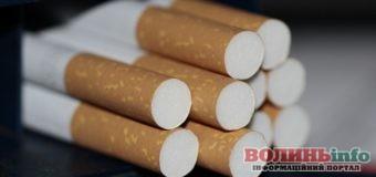У залізничних вагон знайшли контрабанду цигарок