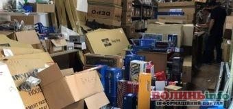 Автозапчастини для інтернет-магазинів намагалися незаконно ввезти в Україну