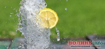 П'ємо воду: випадки коли вживати воду потрібно обов'язково