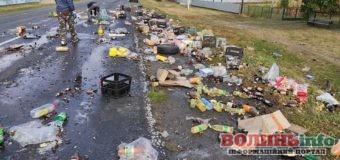 ДТП біля Переспи: макарони та олія розсипалися по дорозі