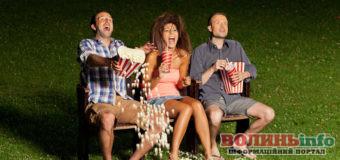 Що подивитися увечері: 10 цікавих комедій