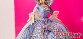 У Києві виставка унікальних ляльок – Barbie святкує 60