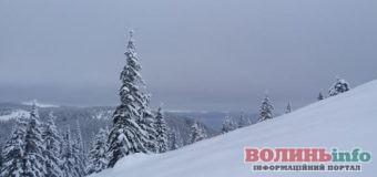 У Карпатах випало відразу 1,5 метра снігу