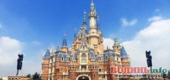 Disneyland став доступним усім: дозволили кататись на атракціонах онлайн