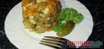 Постимо смачно: теплий салат із квасолею, морквою та шампіньйонами