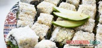 Постимо смачно: овочеві суші-роли