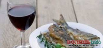 Коли можна пити вино та їсти рибу під час Великого посту 2020
