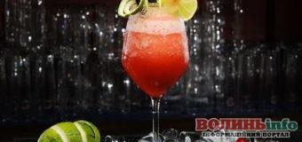 Коктейлі на 8 Березня: рецепти легких напоїв для жінок