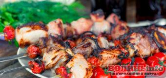 Шашлик: маринади, з якими м'ясо стає ніжним та м'яким