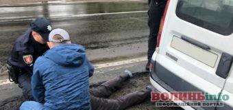 Наркоторговця з амфітаміном та грошими зловили у Ківерцях