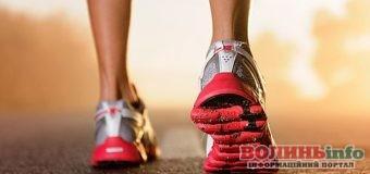 Чем различаются беговые и теннисные кроссовки?