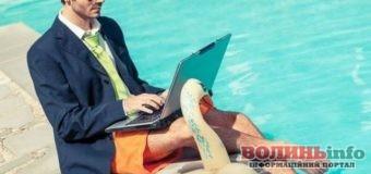 65% українських журналістів продовжують працювати під час відпустки – дослідження ІМІ