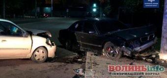 Поліція розшукує водія, який втік після ДТП